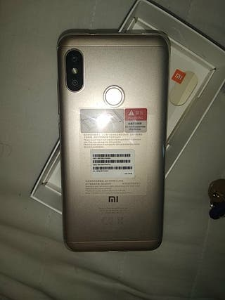Mi A2 Lite (Xiaomi)