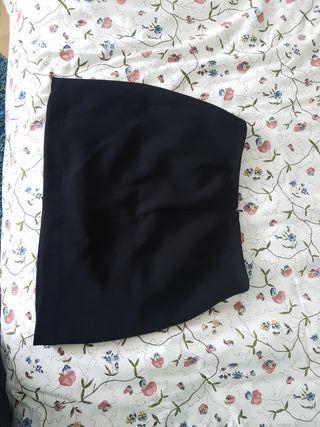 66c15204c0 Falda Mango negra de segunda mano en la provincia de Vizcaya en WALLAPOP
