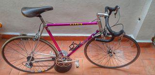 Bicicleta Vitus 979 + rodillo minoura mag 500.