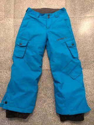 Pantalones y botas de esqui