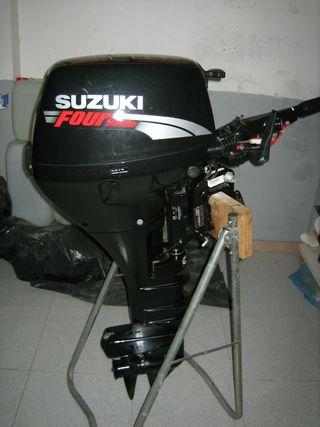 Embarcación zodiac con motor suzuki 15CV