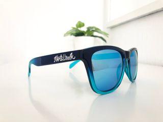 d503a7f9b41b3 Gafas polarizadas azules de segunda mano en Madrid en WALLAPOP