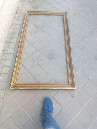 Marco para cuadro o espejo muy antiguo.