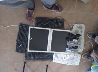 se vende pantallas de pc i teclados