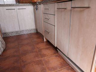 Muebles de cocina completa junto con campana