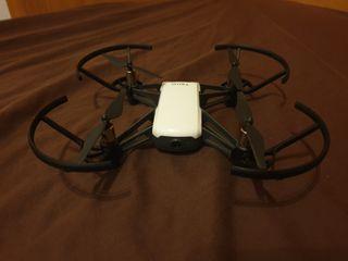 DJI Tello Drone con accesorios y 3 baterias