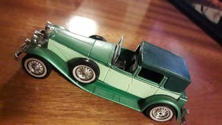 COLECTABLE TOY CAR