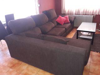 Sofa amb chaise longe