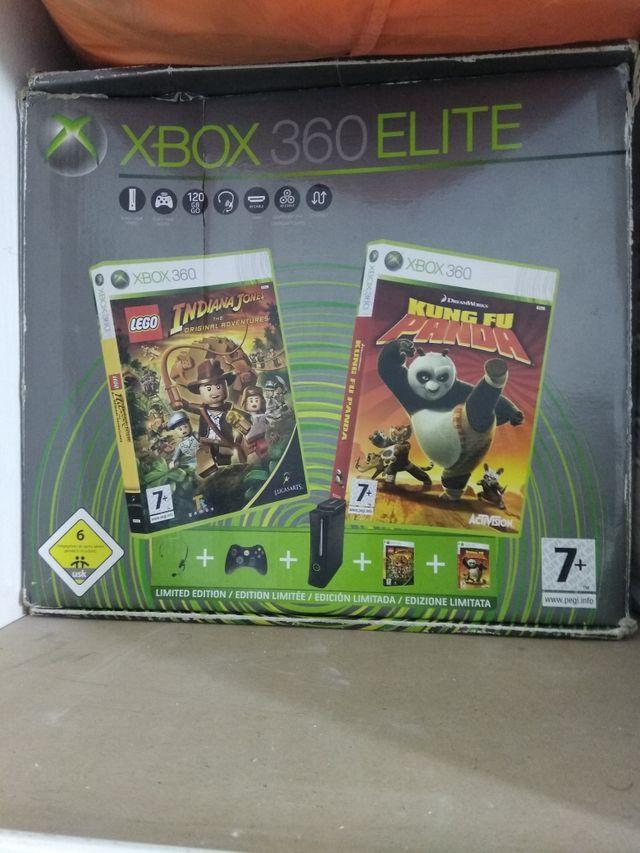 XBOX 360 120GB HDD + Guitarra + Juegos + Mandos