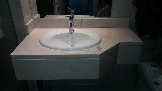 Encimera mármol con lavabo