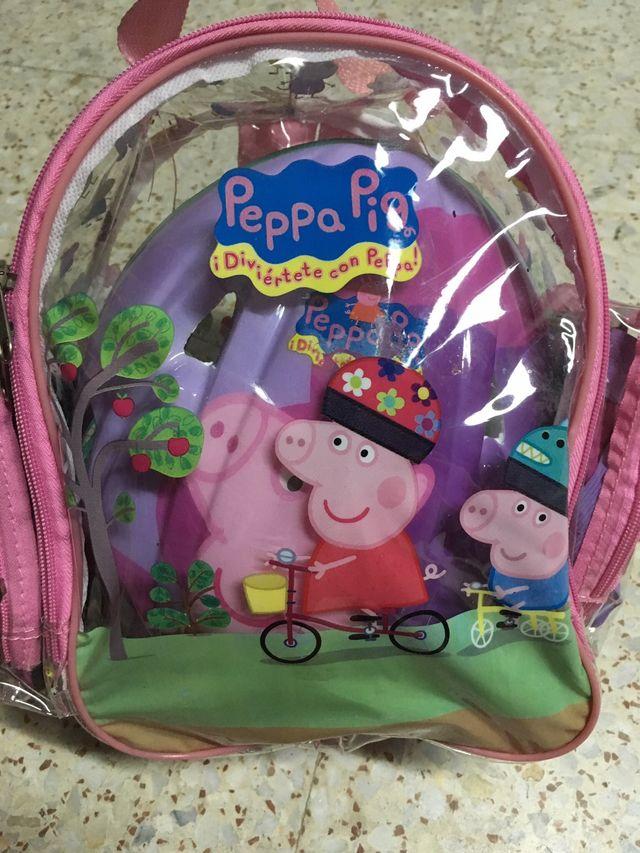 Peppa Pig casco protectores y mochila