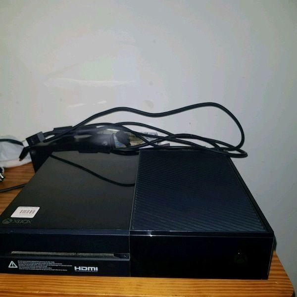 Xbox one , 2 controller + nba 2k19