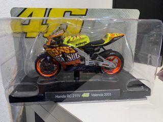 Moto Valentino Rossi Valencia 2003
