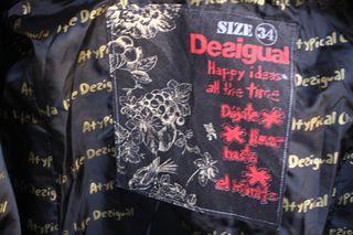 Abrigo DESIGUAL - Atypical Chula Life