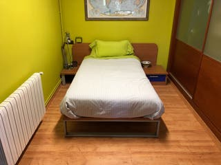 Estructura de cama + mesitas de noche (cama 105cm)