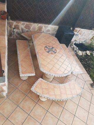 Mesa de piedra para jardin