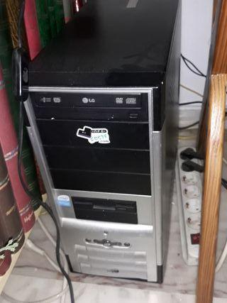 Equipo ordenador e impresora