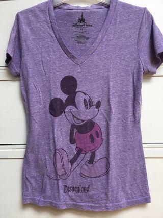 Camiseta Disney Resort. Perfil solidario