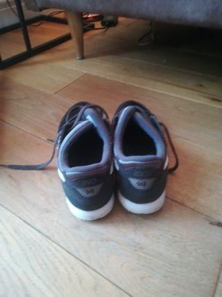asics women black trainers size 5