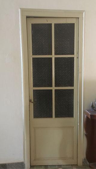 Puerta madera cristal