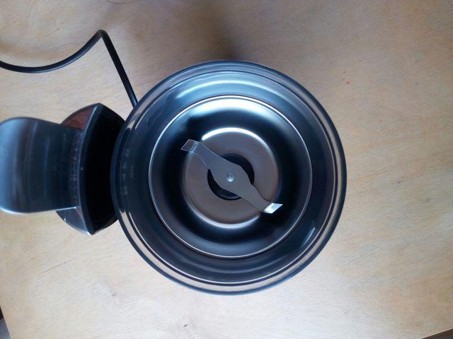 Molinillo eléctrico de cafe.