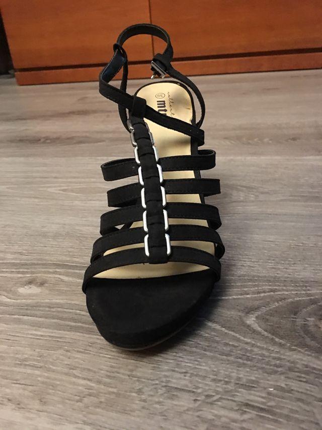 Zapatos de tacón mustang Nuevos