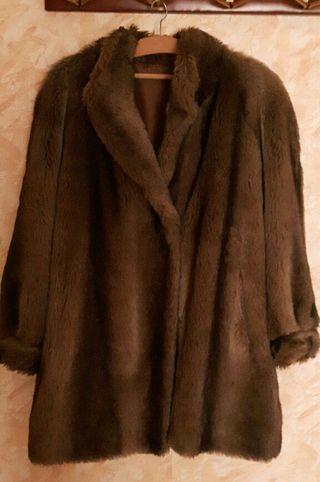 Abrigo de piel marrón mujer