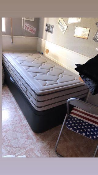 Cama de 90 mas canapé + colchón