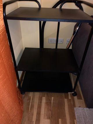 Mueble estante negro con ruedas en OFERTA