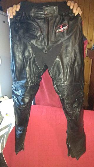 Pantalón de moto