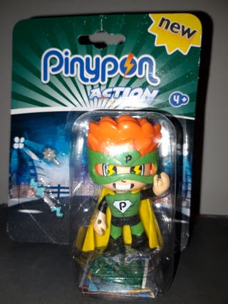 Pinypon action. Figurita superheroe. A estrenar.