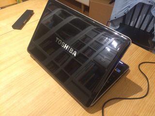 Portátil Toshiba satellite A500