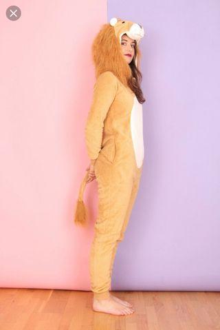 Disfraz pijama león