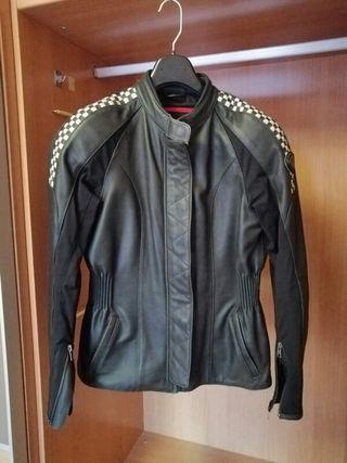 chaqueta y guantes de mujer triumph poco uso