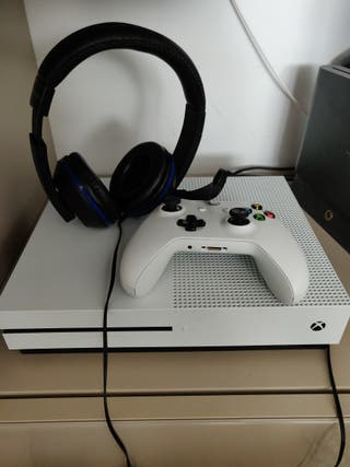 Xbox One S 500 gb+Live Gold+juego+auriculares