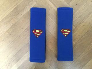 Alcochado de cinturón de seguridad de superman