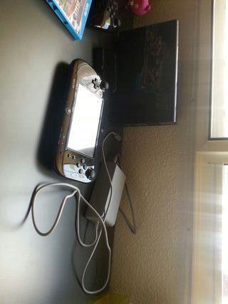 Wii U con tres juegos y mando pro