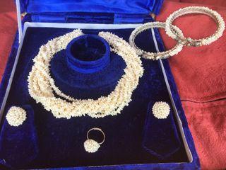 610fbf2515b0 Pulsera de perlas naturales de segunda mano en Madrid en WALLAPOP