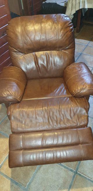 Fantástico sillón reclinable de piel