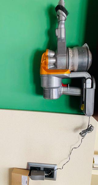 Aspirador Dyson sin cable+2 baterias nuevas