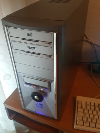 "PC Pentium 4 Win XP. Pantalla ACER 18,5"""