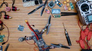 REPARACIÓN Y ENSEÑANZA DE DRONES