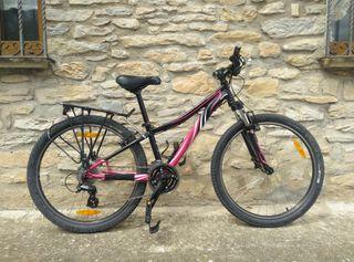 bicicleta de montaña de mujer