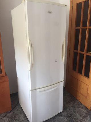 Nevera frigorífico en perfecto estado