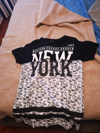 camiseta negra y blanca New York