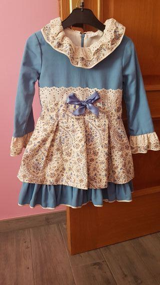 ropa o conjunto de ropa de niña