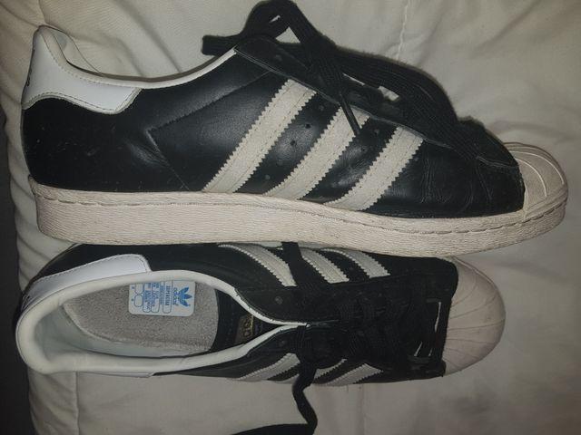 zapatillas Adidas. 43.5
