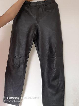 d2edaa147f Pantalones Mano Segunda Cuero En Burgos La Wallapop De Provincia yIbfY76gv
