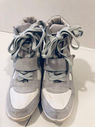 Sneakers de cuña interior