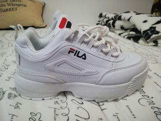 Zapatillas / Tenis blancos fila número 36